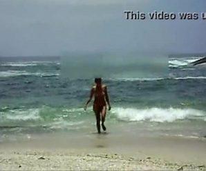 Mulher Melao Peladinha na Praia