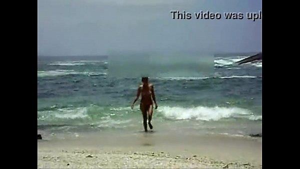 Negona Tesuda Peladinha na Praia