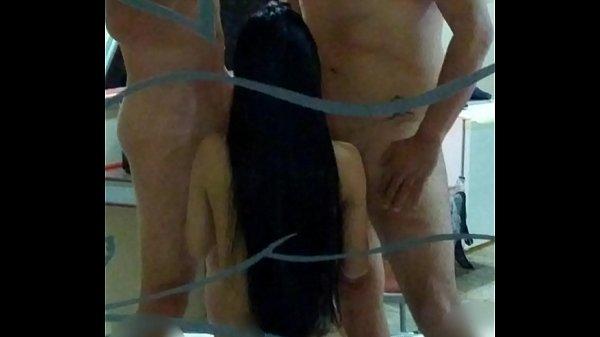 Novinha safada devorando piroca do namorado