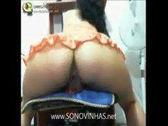 Safada mostrando rabo na webcam