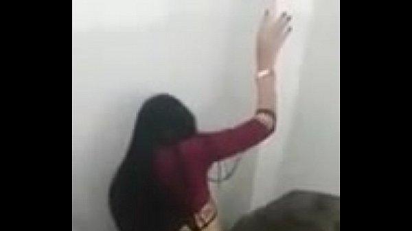 Novinha safada fudendo no banheiro da escola