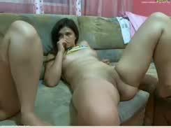 Moreninha vagabunda caiu na net com sua mae safada