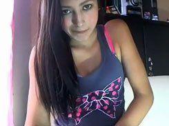 Novinha vagabunda se exibindo na webcam