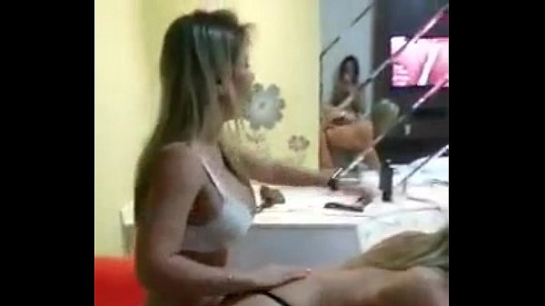 Amadoras gostosas se pegando no porno amador