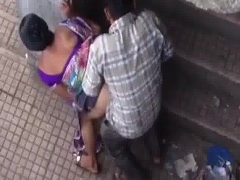 Safadinha trepando na rua