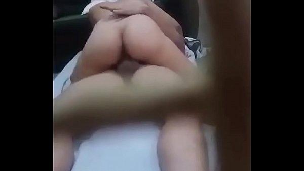 Novinha que cavalga gostoso