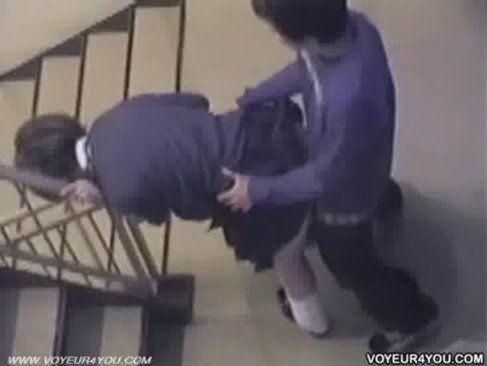 Ninfeta gostosinha fudendo na escola