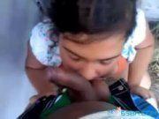 Ninfeta gostosa mamando num cacete