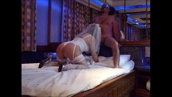 Novinha casada transando com seu amante caralhudo