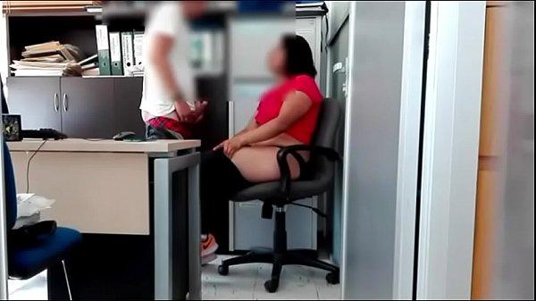 Chefe tarado fudendo gostoso sua secretária casada