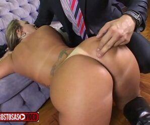 Sexo com gostosa brasileira bem fogosa