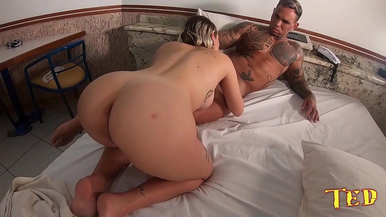 Porno com amadora gostosa