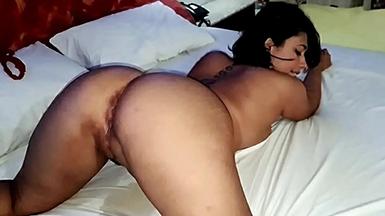 Morena da bunda grande fodendo no porno amador
